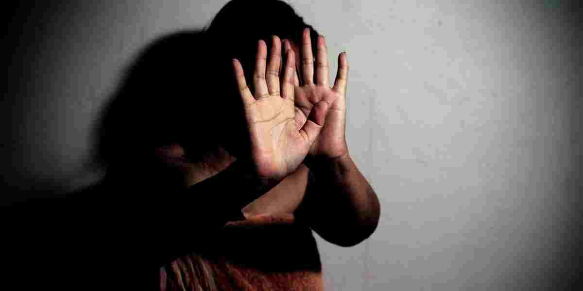 Côte d'Ivoire : victime d'un mariage forcé, une mineure blesse son 'époux' qui voulait l'étrangler