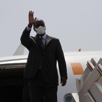 Cote d'Ivoire : Alassane Ouattara s'envole pour Paris, qui va diriger le pays?