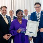 Togo: Tomegah-Dogbe reçoit le prix de développement durable