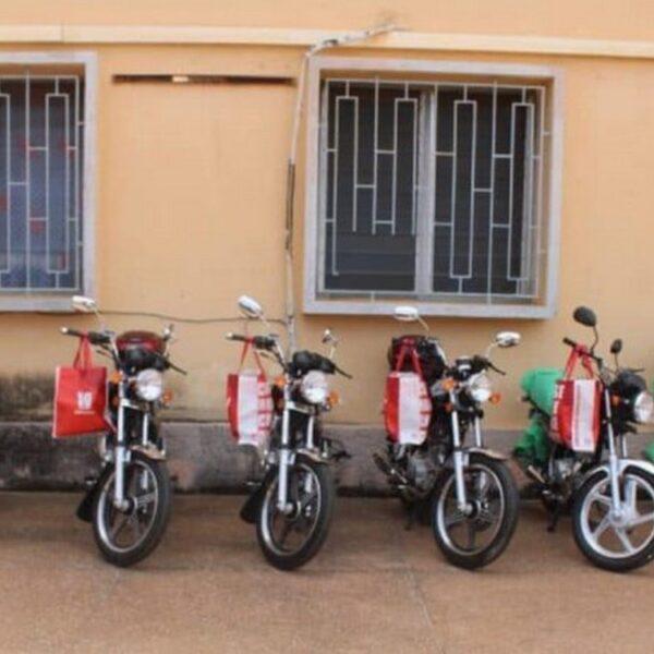 Six motos offertes par la France : la police togolaise a supprimé la publication à polémique